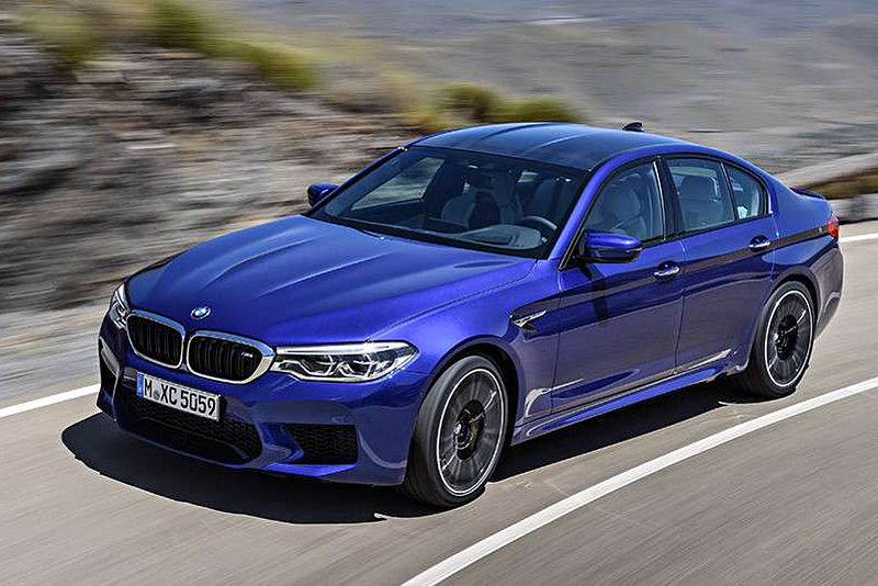 BMW M5 ist World Performance Car 2018